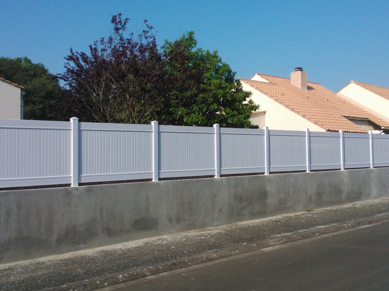 Cloture pvc pas cher for Cloture maison pvc